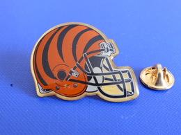 Pin's Foot Football Américain - Casque Des Cincinnati Bengals - NFL (PS56) - Badges