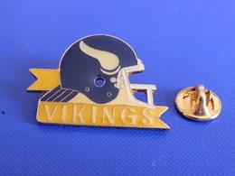 Pin's Foot Football Américain - Casque Des Minnesota Vikings (PS38) - Badges