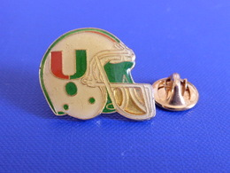 Pin's Foot Football Américain - Casque Des U ? (PS41) - Badges