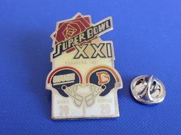 Pin's Foot Football Américain - Super Bowl XXI - Pasadena 1987 - Denver Broncos 20 - New York Giants 39 (PS23) - Badges