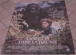 AFFICHE CINEMA ORIGINALE FILM GORILLES DANS LA BRUME Sigourney WEAVER Michael APTED TBE 1988 SINGE - Affiches & Posters