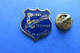 Pin's,plongée,diving,scuba, POLIZEI TAUCHER, KAPO ST.GALLEN,Suisse, Limitée - Police