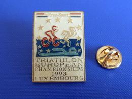 Pin's Triathlon European Championships 1993 Luxembourg - By Free Sport - Course à Pied Athlétisme Vélo Natation (PE6) - Athletics