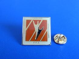 Pin's Ligue Lorraine Athlétisme - FFA - Course à Pied Athlétisme (PE8) - Athletics