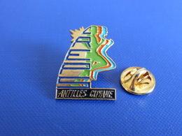 Pin's Creps Antilles Guyane - Formation - Course à Pied Athlétisme (PE14) - Athletics