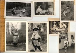 Photographie Originale : X7 Photos Garçon Avec Jouets Voiture Cosmonaute Zorro Boy Toys Cars Spaceman - Objects