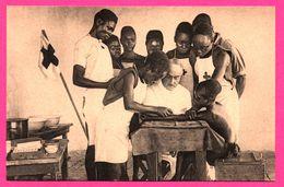 CROIX ROUGE - Centre D'Assistance Médicale - La Formation Des Infirmiers Noirs - Enfants - Animée - NELS - THILL - Croix-Rouge