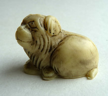 FIGURINE PUBLICITAIRE JACQUET NETSUKE - CHIEN - Figurines