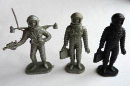 FIGURINE BONUX LOT 3 FIGURINES COSMONAUTES ASTRONAUTES - Militaires
