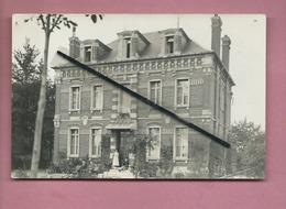 Carte Photo à Confirmer - Ecrit Au Verso : Maison Bacquet - Corbie -(Somme) -Photographe H.Miettes Corbie - Corbie