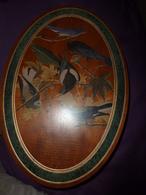 Boite Ancienne Forme éllipse, En Merisier Avec Décor D'oiseaux, Peinte Par J. Audubon , Dimensions 43cm X 29cm X 9cm - Boxes