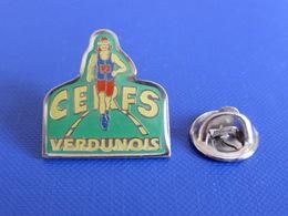 Pin's Cerfs Verdunois - Verdun - Course à Pied Athlétisme (PE78) - Athletics