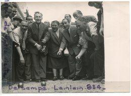 Photo De Presse  Original -  BOURVIL, Tino ROSSI, Milly MATHIS, Pétanque Sur Les Champs Elysées, 19-06-1950, Scans. - Célébrités
