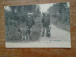 """Carte Assez Rare De 1910 , Nos Douaniers """""""" Carte Animée Douaniers Et Leurs Chiens  """""""" - Police - Gendarmerie"""