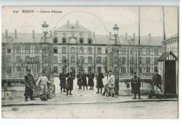 22534   CPA  ROUEN  :   Caserne Pélissier !  1917 !  Trés Animée !!  ACHAT DIRECT !! - Rouen