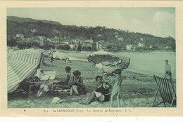 LE LAVANDOU :UN GROUPE DE BAIGNEURS.BEAU PLAN.ANIMEE.N.CIRCULEE.T.T.B.ETAT.PETIT PRIX.COMPAREZ!!! - Le Lavandou