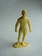 1 JOUEUR DE FOOT ANCIENS EN PLASTIQUE Monochrome Années 70 Bon état (voir Photos). - Figurines