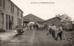 60 - Oise    PLESSIS-BELLEVILLE  Briqueterie   Animation Ouvriers  ( Plan  Peu Courant  ) - France