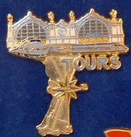 Pins 1 ANCIEN PIN'S TRAIN TGV A VOIR - TGV