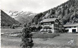 Cpm De La Ferrière D'Allevard - Fond De France (Isère Alt. 1100 M) Chalet Hôtel Du Massif Des Sept Lau - - Autres Communes
