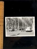 Photographie Originale : Automobile Automobiles Voiture 1960 SIMCA Aronde Citroen 2 CV  Opel ? - Automobiles