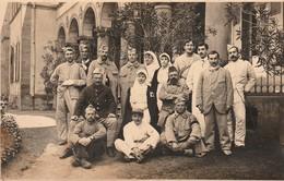 Rare Photo Carte Hopital Militaire De Moulin Avec Soldats Et Infirmières - 1914-18