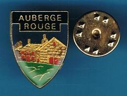 PIN'S  //   ** L'AUBERGE ROUGE / L'AUBERGE DE PEYREBEILLE SITUÉE SUR LA COMMUNE DE LANARCE / ARDÈCHE ** - Celebrities