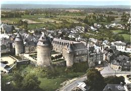 CPSM DE CHÂTEAUGIRON  (ILLE ET VILAINE)  LE CHÂTEAU - VUE AERIENNE - Châteaugiron
