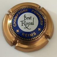 95 - Capsule De Champagne - 88 - Pommery Reims, Brut Royal, Bleu, Or Bronze (lettres Or) Centre Blanc - Pomméry