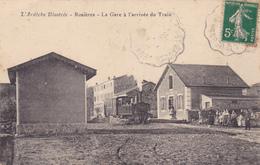 (21)    ROSIERES - La Gare à L' Arrivée Du Train - France