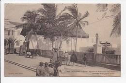 CPA SENEGAL GOREE Square Et Monument Des Medecins Victimes De La Fievre Jaune - Senegal