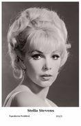 STELLA STEVENS - Film Star Pin Up PHOTO POSTCARD- Publisher Swiftsure 2000 (355/3) - Postales