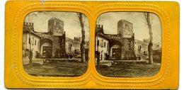 Rome - Porte Saint Laurent Avec Soldats Français - Rare Photo Tissue Stereo  Circa 1860 Par Ferrier (petite Déchirure) - Photos Stéréoscopiques