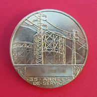 Médaille - Nominative - En Métal Jaune - Électricité De France Et Gaz De France - Graveur Henri Dropsy - Professionals / Firms