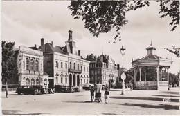 86 -   CHATELLERAULT   Boulevard Blossac  Le Théatre Et La Mairie - Châtelet