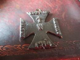 CROIX DE FER  (IRON CROSS) - 1914- PROPAGANDE Fabrication BRITANNIQUE- RAPPEL DES ATROCITES ALLEMANDES - 1914-18