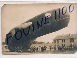 CARTE PHOTO  Militaire Du Ballon Dirigeable Saucisse  Au Camp De Mailly ( Format 14,5 X 10 Cm ) Recto Verso - Dirigeables