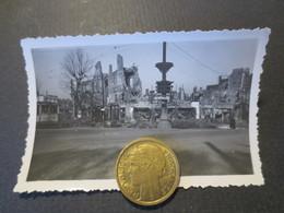 Le Havre - Photo Originale - Carrefour Rue Thiers ( à Gauche ) Et Bld De Strasb  - Bombardement 5 Septembre 1944 - TBE - - Places