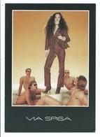 CPM Publicité Mode Femme VIA SPAGIA - Manequin Entouré D' Homme En Slip - Moda
