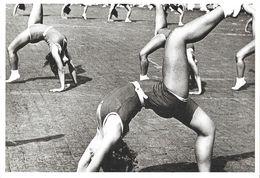 Photo Alexandre Rodtchenko: Gymnastique Rythmique 1936 - Musée Nicephore Niepce 1988 - Gimnasia