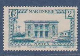 MARTINIQUE      N°  YVERT  :   134   NEUF AVEC  CHARNIERES      (  CH 02  ) - Martinique (1886-1947)
