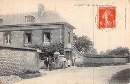 C P A Eure 27 Heuqueville Sur La Grande Route Carte Animée - Other Municipalities