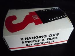 PINCES A FILMS  KIS Photo-8 Pièces Dans Leur Emballage D'origine, Neuves - Supplies And Equipment