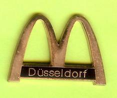 Pin's Mac Do McDonald's Düsseldorf - 3D16 - McDonald's