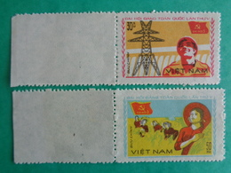 VIETNAM 1982 : Y &T N° 338 & 339  ** - 5e CONGRES DU PARTI COMMUNISTE VIETNAMIEN - Vietnam
