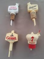 WHISKY - Lot De 4 Bouchons Verseurs - BALLANTINES HANKEY BANNISTER GRANT'S SEAGRAM'S (plastique) - Autres Collections