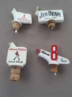 WHISKY - Lot De 4 Bouchons Verseurs - IMPERIAL JIM BEAM JOHNNIE WALKER GIBSON 8 (plastique) - Autres Collections