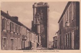 Cpa BASSOUES (32) - Donjon Et Grande Rue - Other Municipalities