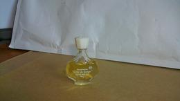 """Miniature Nina Ricci   """"  Air Du Temps   """" Eau De Parfum Bouchon Blanc - Vintage Miniatures (until 1960)"""