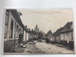 80 - BRAY SUR SOMME La Rue Des Chevaliers Animée - Bray Sur Somme